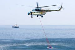brandhelikopter Arkivfoton