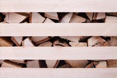 Brandhout in de doos stock afbeelding