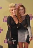 Brandi Cyrus, Miley Cyrus Lizenzfreie Stockfotos