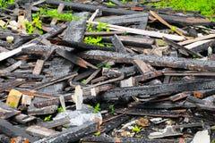 Brandkatastrof för trä för detalj för brandhemrest royaltyfria foton