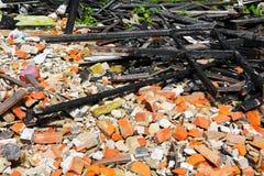 Brandkatastrof för trä för detalj för brandhemrest arkivfoto