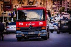 Brandlastbil på nöd- fall Arkivfoton