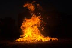 Brandlinje på svart bakgrund Royaltyfria Bilder