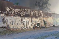 Brandmän för Los Angeles skrotenbrand 2016 Arkivfoton