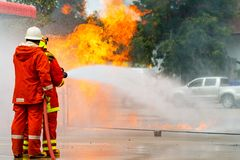 Brandman utbildning brandman Arkivfoto
