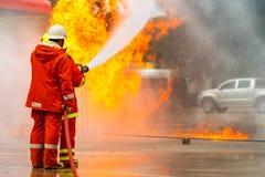 Brandman utbildning brandman Arkivfoton