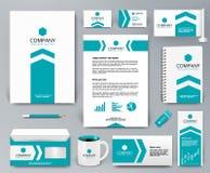 Brandmerkende ontwerpuitrusting met blauwe pijl op wit voor onroerende goederen Stock Afbeeldingen