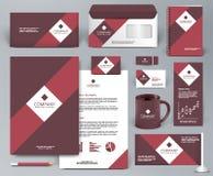 Brandmerkende ontwerpuitrusting met rood lint Stock Foto