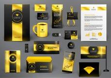 Brandmerkende ontwerpuitrusting voor juwelenwinkel in gouden stijl Stock Fotografie