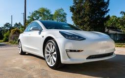 Brandnew biały Tesla model 3 Obrazy Stock