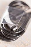 Brandnew nieużywany czerni usb i mikro usb depeszujemy dla telefonów komórkowych Zdjęcia Royalty Free