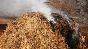 Brandolycka på landsbygd lager videofilmer