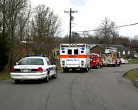 brandpolisräddningsaktion Arkivbild