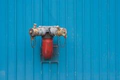 brandpost monterad vägg Fotografering för Bildbyråer
