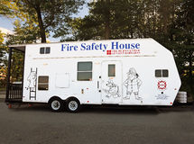Brandschutz-Haus-Anhänger Stockfotos