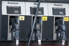 Brandstof of Benzinepompen stock foto's