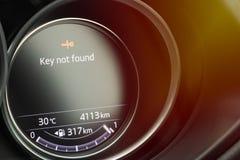 Brandstof vlakke maat in het autodashboard royalty-vrije stock foto's