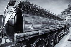 Brandstof-vrachtwagen, olie en gas de industrie Royalty-vrije Stock Afbeelding