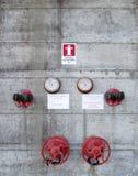 Brandsystem på betongväggen Royaltyfri Fotografi