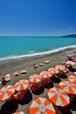 Brandung, Sand und Steine Lavagna Ligurien Italien Lizenzfreie Stockfotografie