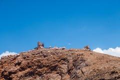 Brandung, Sand und Steine Natur- und Reisenhintergrund Lizenzfreie Stockfotografie