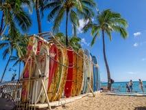 Brandungsmietshop auf Waikiki-Strand Stockfoto