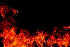 Brandvlammen op Abstracte kunst zwarte achtergrond, het Branden roodgloeiende vonkenstijging royalty-vrije stock fotografie