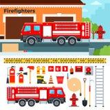 Brandweerauto die op de straat wachten Stock Foto