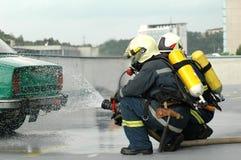 Brandweerlieden stock foto's