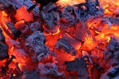 Brandwond van steenkool stock foto's