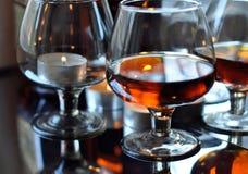 Brandy e candele Immagini Stock Libere da Diritti