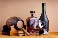 Brandy e sigari Fotografie Stock Libere da Diritti