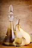 Brandy tradizionale della pera Immagini Stock