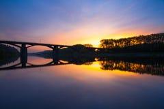 Branik bro på soluppgång Prague tjeckisk republik Arkivfoto