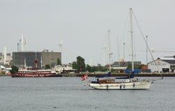 Bransch och skepp Rødbyhavn denmark Arkivbilder