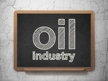 Branschbegrepp: Oljeindustri på svart tavlabakgrund Royaltyfri Foto