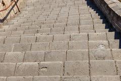 Brant trappa av den stora väggen av Kina arkivfoto