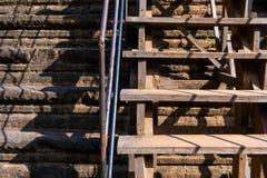 Brant trappuppgång av den Baphuon templet royaltyfria foton