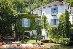 brantome的美丽的老房子 免版税库存照片