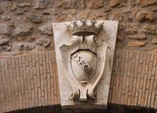 Brasão em uma porta na parede em torno do Vaticano Roma, AIE fotografia de stock royalty free