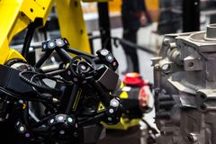 Bras de robot avec le système du balayage 3D images libres de droits