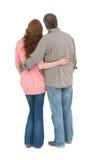 Bras debout de couples occasionnels autour Photographie stock libre de droits