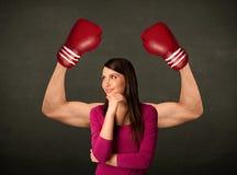 Bras forts et musculeux de boxeur Photos libres de droits