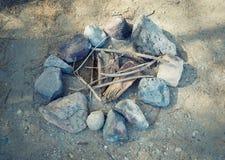 brasa Campfire i natur Arkivfoton