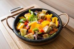 Brasied blandad peppar och auberginesallad Royaltyfria Bilder