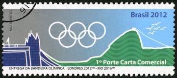 BRASIL - 2012: anéis olímpicos das mostras, Londres 2012 - Rio 2016, 31th Jogos Olímpicos, Rio, Brasil Imagens de Stock Royalty Free