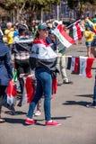 Brasilia, Brasile 4 agosto 2016: I fan di calcio iracheni si riuniscono fuori dello stadio di Mané Garrincha Immagine Stock