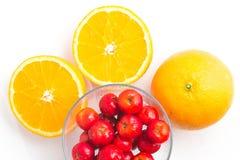 Brasilianische Acerola-Kirsche und orange Frucht Stockfotografie