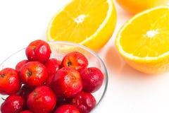 Brasilianische Acerola-Kirsche und orange Frucht Stockbild