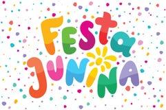 Brasilianische beschriftende Illustration Text Festa Junina Festliche Vektorkarte Blitze, Feuerwerke genie?en Logo im bunten Rahm vektor abbildung